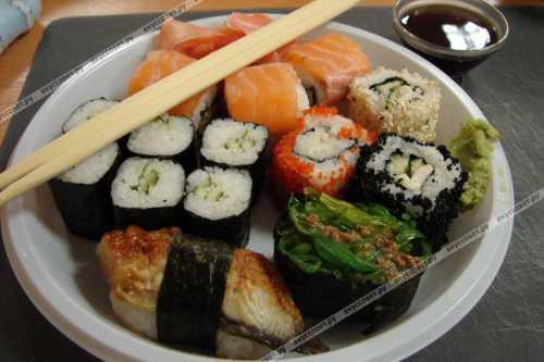 Своими руками: готовим суши и роллы