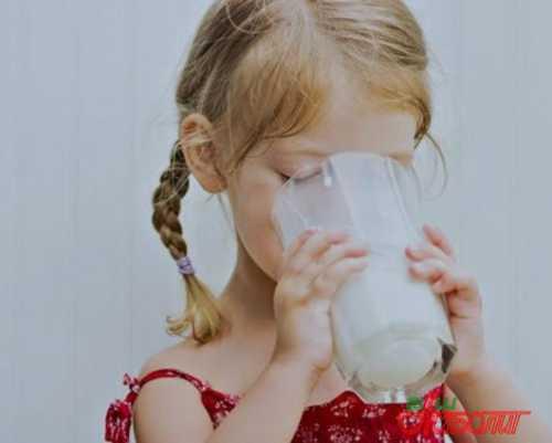 Рассказываем про козье молоко: состав и